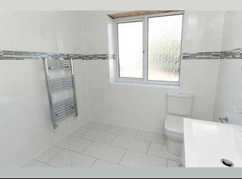 EasyRoommate UK - Room to rent in Edgware, Burnt Oak - £567 pcm