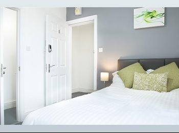 EasyRoommate UK - BRAND NEW refurbished rooms in Warrington, Warrington - £390 pcm