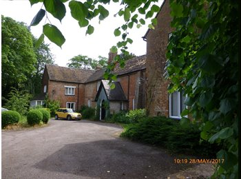 EasyRoommate UK - Room to let in historic country house near Alvechurch, Longbridge - £475 pcm