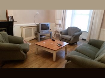 EasyRoommate UK - Double rooms available in large well presented , Kirkdale - £332 pcm