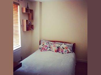 EasyRoommate UK - Double room to rent, Borehamwood - £650 pcm