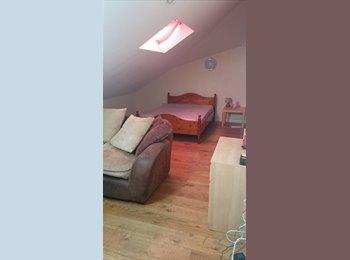 EasyRoommate UK - DOUBLE ROOM TO LET IN RAMSBOTTOM, Bury - £350 pcm