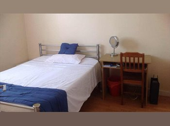 EasyRoommate UK - A single and a double room for rent , Bicester - £380 pcm
