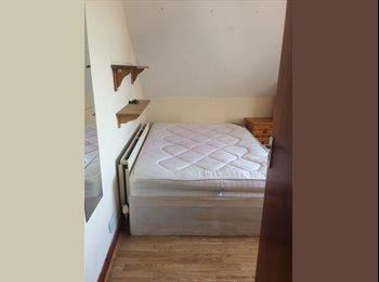EasyRoommate UK - Housemate wanted , Portswood - £355 pcm