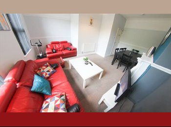 EasyRoommate UK - Low Deposit*Newly Renovated*20Min to City, Dingle - £350 pcm