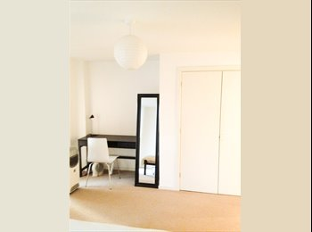 EasyRoommate UK - New!! Large double room. Gay-friendly. New development. 3min. to tube. Short-term., Barking - £550 pcm