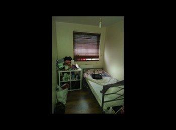 EasyRoommate UK - Nice single room , Barking - £411 pcm