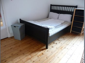 EasyRoommate UK - Cosy room available in charming shared house close to Nottingham city centre, Arboretum - £340 pcm