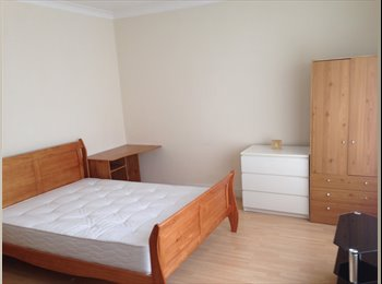 EasyRoommate UK - Super Size Double room available now in Bounds green friendly flatshare, Bowes Park - £750 pm