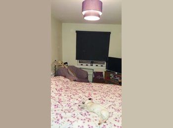 EasyRoommate UK - double room available, Livingston - £400 pcm