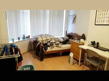 EasyRoommate UK - Room to rent in Victoria Park M13, Longsight - £320 pcm