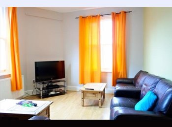 EasyRoommate UK - Newly Refurbished Double Room | All Bills Inclusive, Highfield - £300 pcm