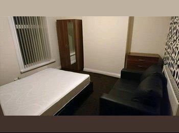 EasyRoommate UK - Double Rooms Available in Recently Refurbished House Share Near Erdington Train Station, Erdington - £350 pcm