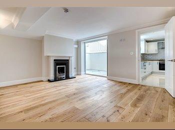 EasyRoommate UK - Large Double Room-London Road, Brighton - £750 pcm
