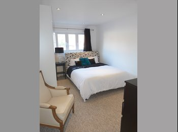 EasyRoommate UK - Large en-suite bedroom in prestigious Bromley location, BR1 4DY, Sundridge - £800 pcm