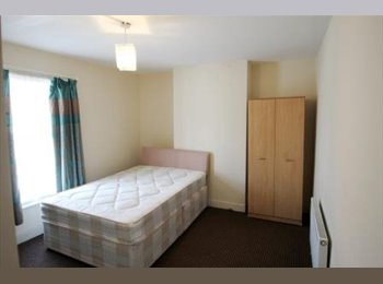 EasyRoommate UK - DOUBLE ROOM--DOVER STREET--AVAILABLE NOW, Reading - £400 pcm