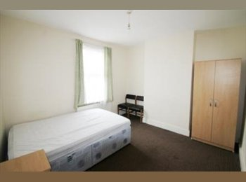 EasyRoommate UK - DOUBLE ROOM- CENTRAL READING--ALL BILLS INCLUDED, Reading - £425 pcm