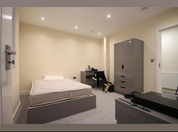 EasyRoommate UK - DOUBLE ROOM AVAILABLE IN NOTTINGHAM - STUDENTS, Hockley - £480 pcm