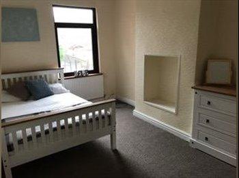 EasyRoommate UK - Fantastic Rooms For Let On Hammersley Road, Hanley - £350 pcm