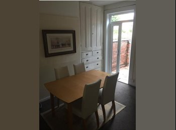 EasyRoommate UK - All inclusive rooms Available in a Four Bed House , Earlsdon - £350 pcm