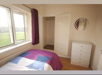 EasyRoommate UK - ++Outstanding bedroom near Stratford International !, Stratford - £475 pcm