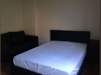 EasyRoommate UK - Double Bedroom in central Preston, Preston - £325 pcm