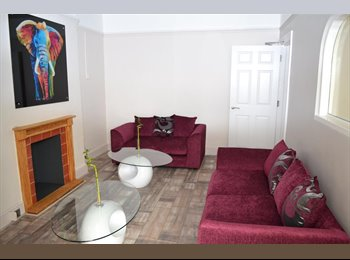 EasyRoommate UK - Beautiful, newly-refurbished co-living house with ensuites, Filton - £525 pcm