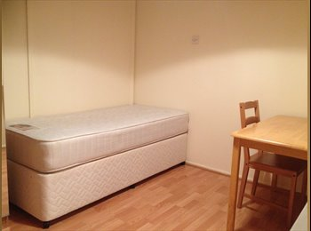 EasyRoommate UK - Single Room available in watford, Hatch End - £425 pcm