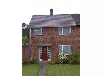EasyRoommate UK - Double Room in Recently Renovated Property, Ellesmere Port - £400 pcm