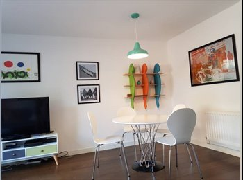 EasyRoommate UK - Double spacious room close to Charlton station - Bills included, Charlton - £650 pcm