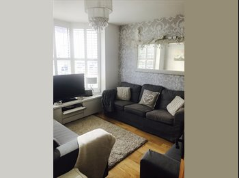 EasyRoommate UK - Double room to let  furnished with double bed wardrobe and drawers , Ashford - £400 pcm