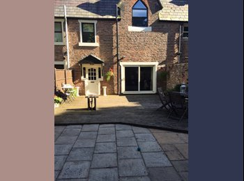 EasyRoommate UK - Large Double Bedroom for rent, Aigburth - £450 pcm