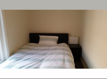 EasyRoommate UK - Doubles rooms / SO14 / close to City Centre, Southampton - £390 pcm