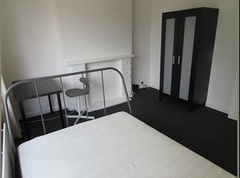 EasyRoommate UK - Double rooms available in Wallisdown , Talbot Village - £400 pcm