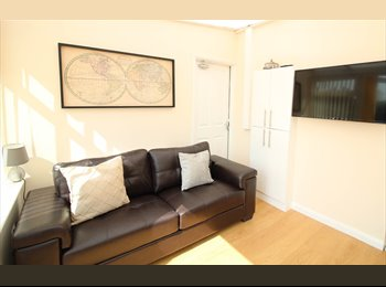 EasyRoommate UK - BALBY! NEWLY REFURBISHED 5 BEDROOM PROPERTY!, Doncaster - £433 pcm
