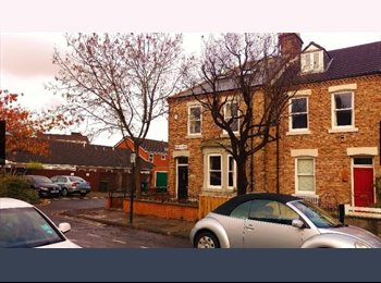 EasyRoommate UK - Double Room, attractive end terrace in Gosforth, inc bills & 200mb fibre, Gosforth - £445 pcm