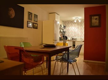EasyRoommate UK - Modernist house in Crystal Palace w roof terrace, Upper Norwood - £600 pcm