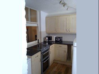 EasyRoommate UK - 6 Bedroom Student House Eastbourne, Eastbourne - £2,220 pcm
