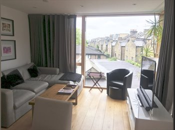 EasyRoommate UK - Doubebedroom in lovely Fulham flat!, West Brompton - £1,116 pcm