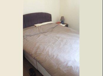 EasyRoommate UK - nice quiet big room in flat house , Levenshulme - £250 pcm