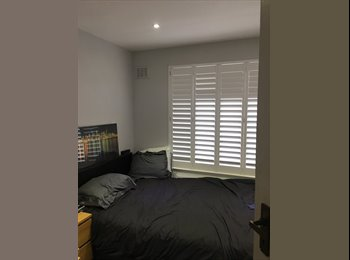 EasyRoommate UK - Double room to rent next to train station , Eden Park - £600 pcm