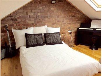 EasyRoommate UK - Beautiful Large Studio room, split level mezzanine, Moss Side - £500 pcm