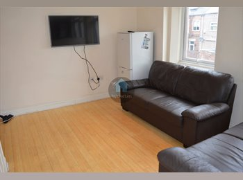 EasyRoommate UK - ROOMS IN STUDENT SHARE HEATON AVAILABLE 28/07/17 - £300PCM NO ADMIN FEE!, Heaton - £300 pcm