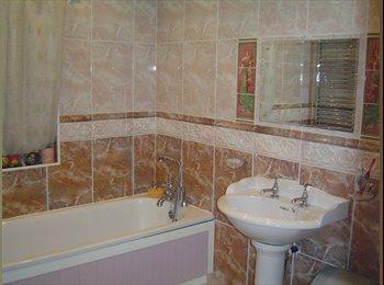 EasyRoommate UK -  Fully furnished ground floor room, Stanningley - £360 pcm