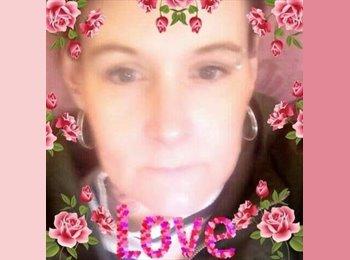 EasyRoommate UK - Princess Claire - 38 - Trowbridge