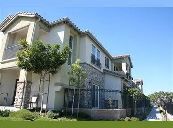 EasyRoommate US - Share 2 BR Granada Hills Townhouse, Mission Hills - $400 pm