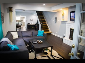 EasyRoommate US - BIG bedroom in a beautiful 3 story twin house!, Newbold - $750 pm