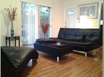 EasyRoommate US - Sharing Bed-Apt Clothing Optional Style Male2Male, Biscayne Park - $500 pm