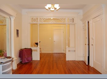 EasyRoommate US - BROOKLYN  BARREL FRONT BROWNSTONE  5 room apartment WITH VINTAGE DETAIL mod kitchen/bath, Borough Park - $3,000 pm