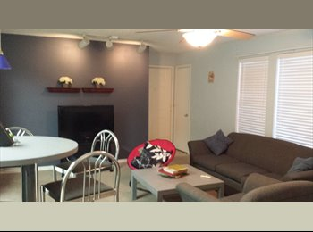 EasyRoommate US - Hey Girls! We need a roommate!, Gainesville - $370 pm